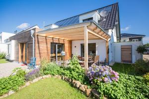 """Das Sonnenhaus - konzipiert von Hausbau Heggemann und der Architektin Anja Machnik - erhält hohe Aufmerksamkeit durch die Veröffentlichung in """"Das Einfamilienhaus""""."""